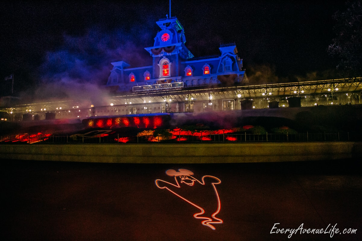Mom-Blog-Mickey's Halloween Party-9183
