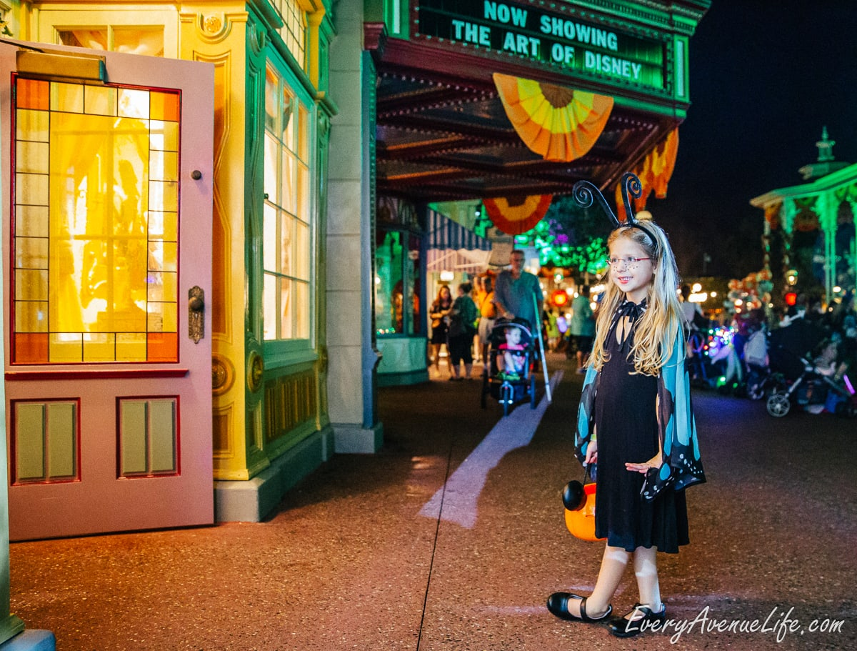 Mom-Blog-Mickey's Halloween Party-9250