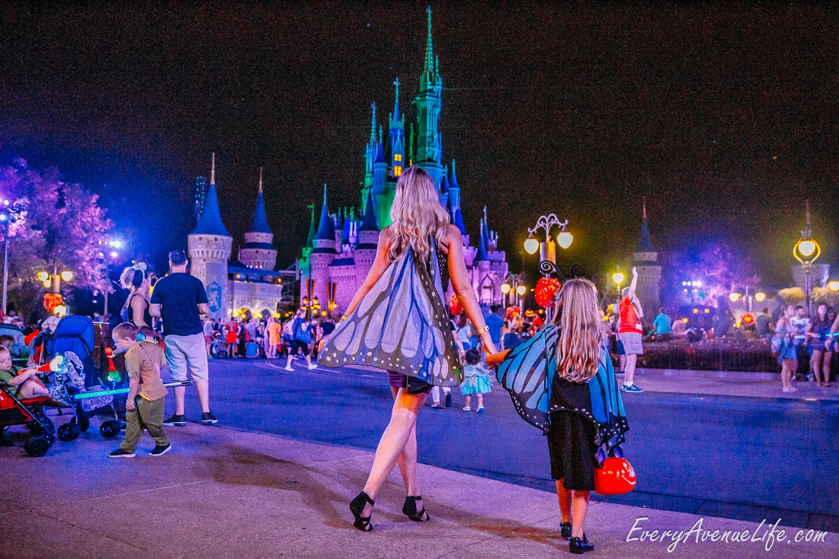 Mom-Blog-Mickey's Halloween Party-9292