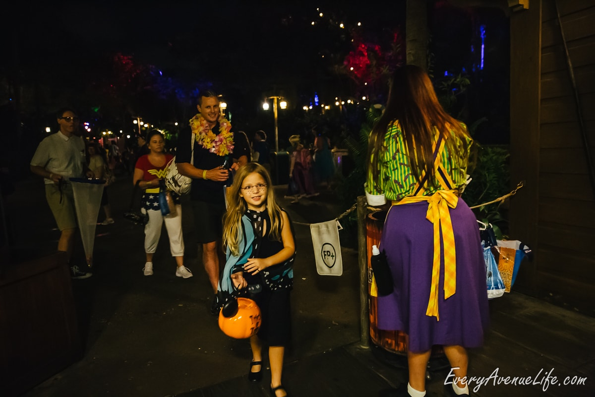 Mom-Blog-Mickey's Halloween Party-9424