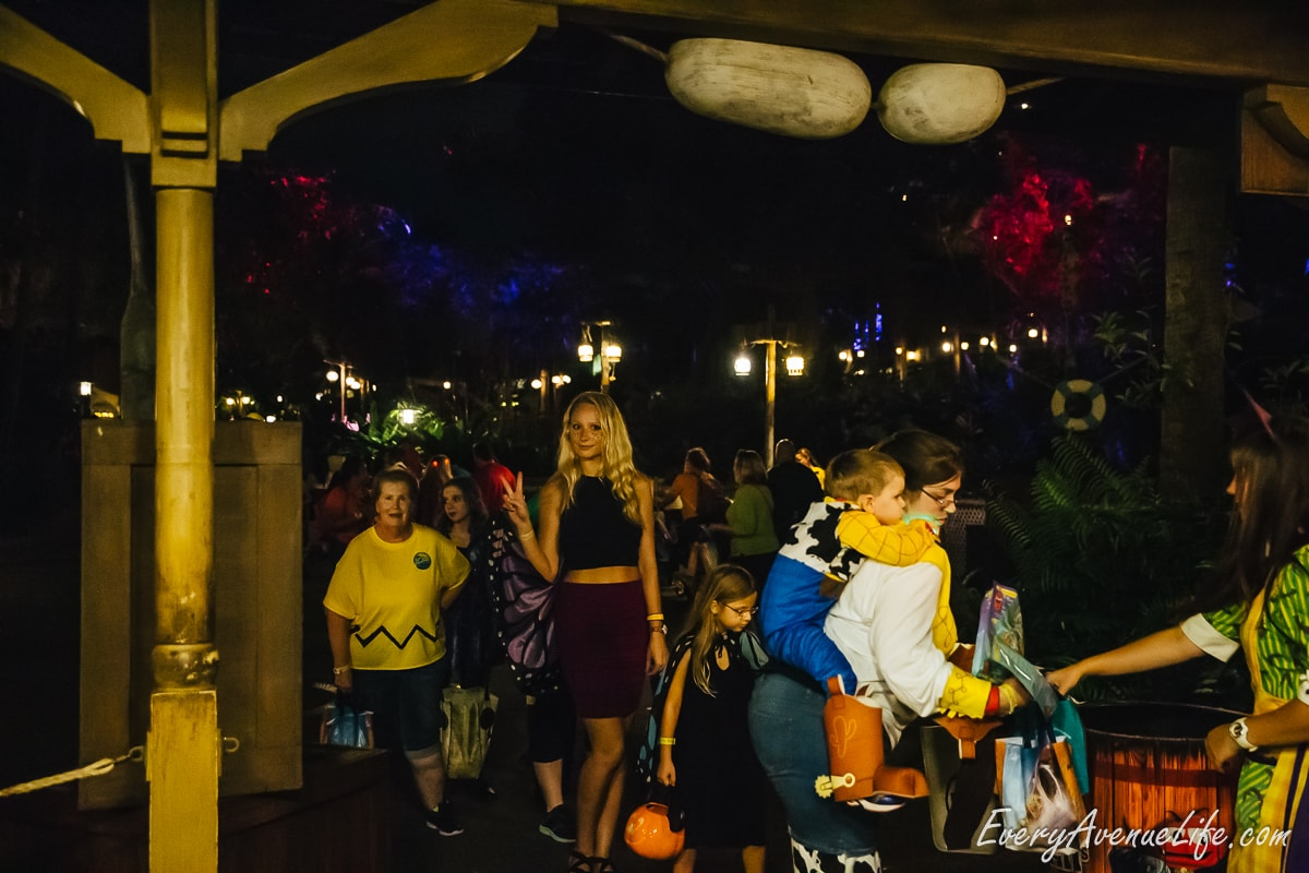 Mom-Blog-Mickey's Halloween Party-9425