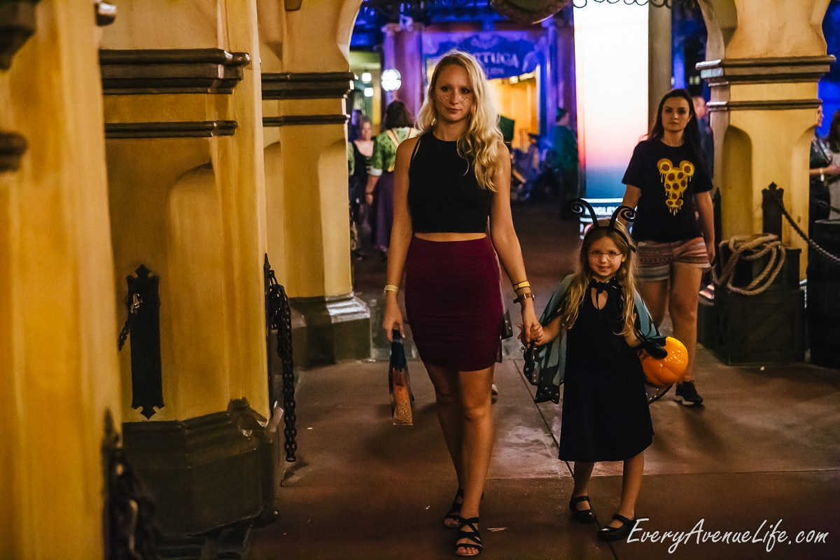 Mom-Blog-Mickey's Halloween Party-9439