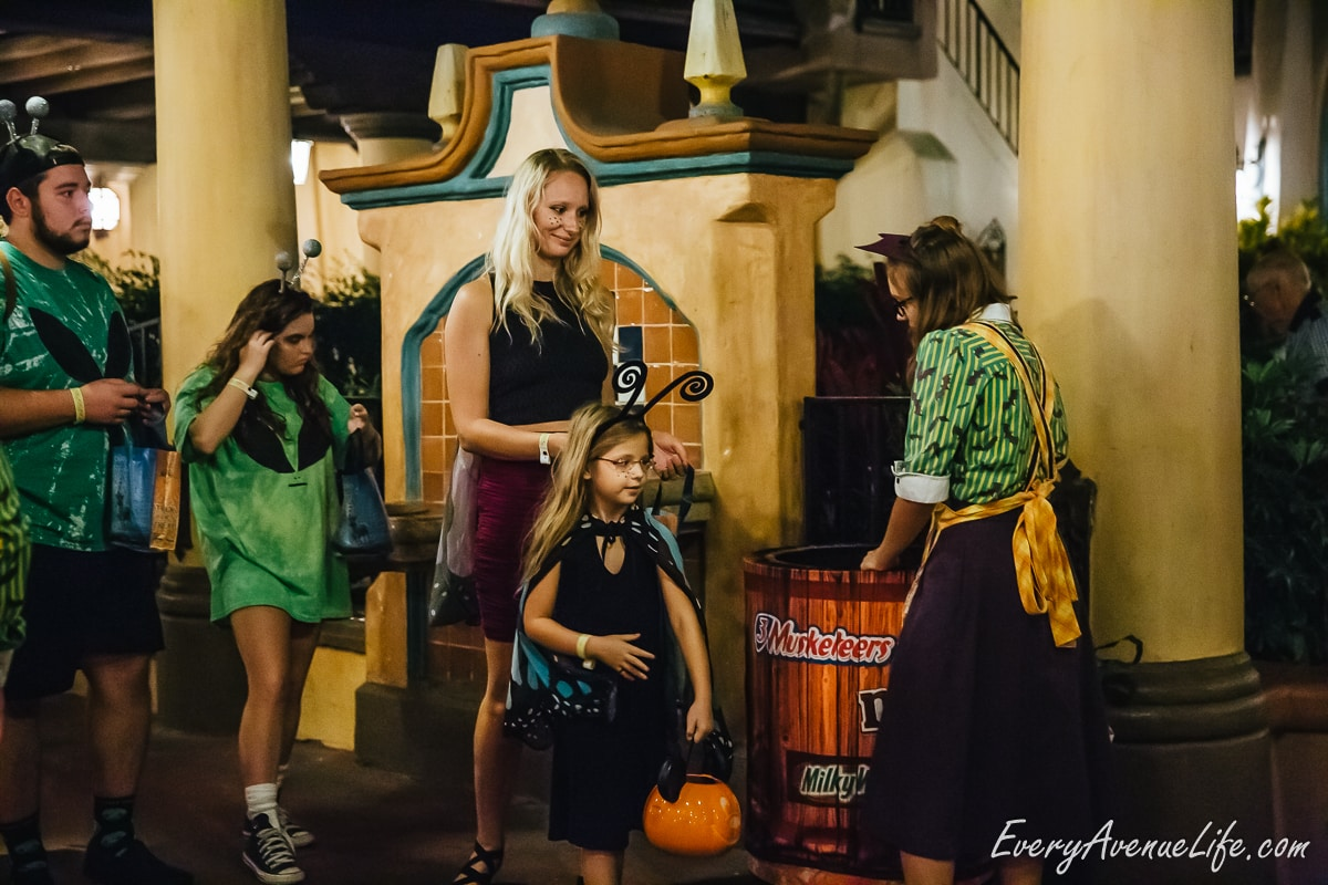 Mom-Blog-Mickey's Halloween Party-9445